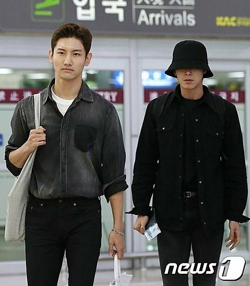 Hai thành viên TVQX trở về Hàn tối 16/10 để kịp đưa tiễn Sulli.