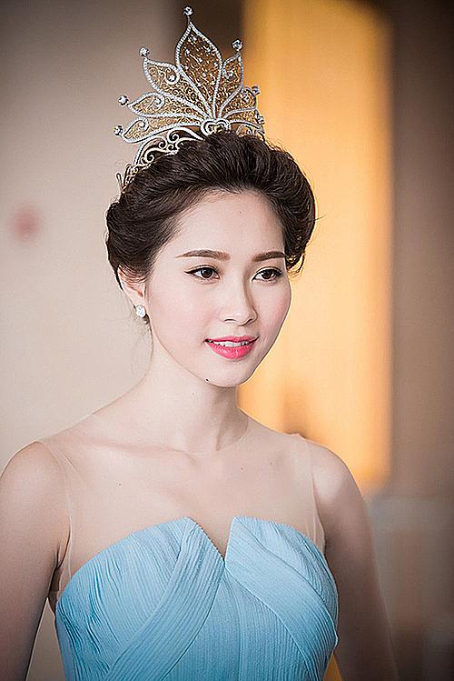 4 chiếc vương miện đắt đỏ của Hoa hậu Việt Nam - page 4