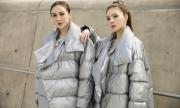 Kelly Nguyễn - Lilly Luta diện đồ 'sinh đôi' ở Seoul Fashion Week