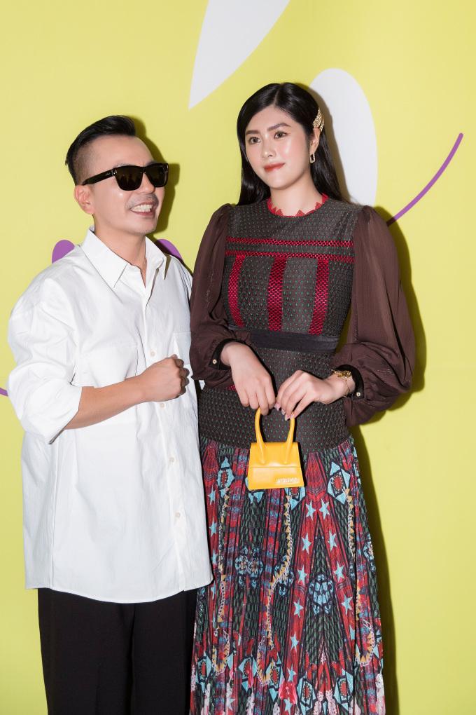 <p> Huỳnh Tiên đến Hàn Quốc tham dự Seoul Fashion Week 2019 những ngày qua. Cô được NTK Choi Chung Hoon của thương hiệu thời trang Doucan mời tham dự một show diễn.</p>
