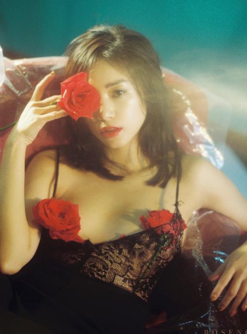 Hot girl Sa Lim.