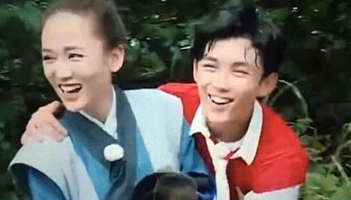 Trần Kiều Ân và Ngô Lỗi thân thiết trên cả trường quay và khi ghi hình show chung.