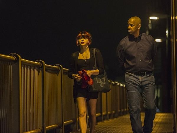 Vai diễn cô gái làng chơi gai góc của Chloe đóng cùng tài tử Denzel Washington.