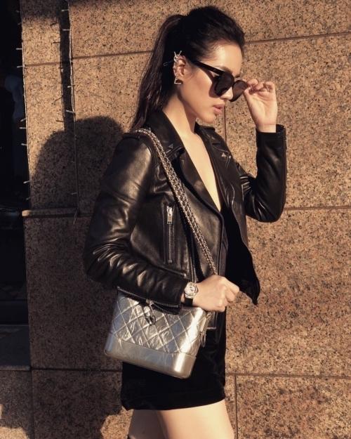 Túi Chanel nổi tiếng đắt đỏ, giá bán trung bình từ 80-110 triệu đồng.