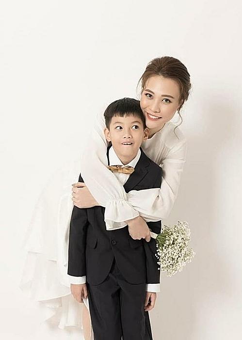 Subeo thân thiết cùng Đàm Thu Trang.