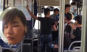 Khởi tố nhóm thanh niên hành hung nữ phụ xe buýt