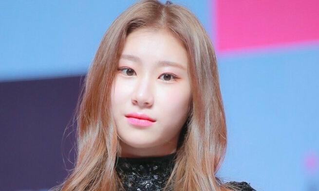 Bằng chứng Chae Ryeong là thành viên kém nổi nhất ITZY