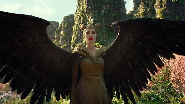 Maleficent: Mistress of Evil là bữa tiệc CGI hoành tráng nhưng không ăn khách bằng phần một.