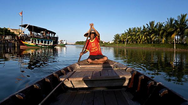Sông Thu Bồn chảy qua miền trung Việt Nam. Đây là một trong những điểm đến ăn ảnh nhất châu Á. Ảnh: AFP.
