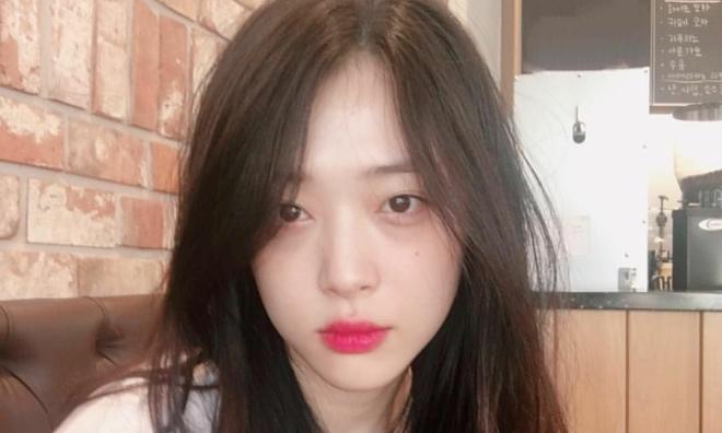 Diễn viên Hàn tiết lộ Sulli có tài khoản Instagram bí mật