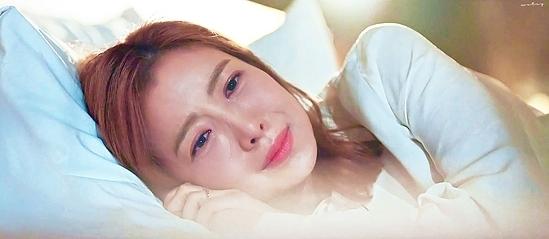 Yoon Se Ah nhập vai Na Ha Young với diễn xuất tinh tế, đầy kinh nghiệm.
