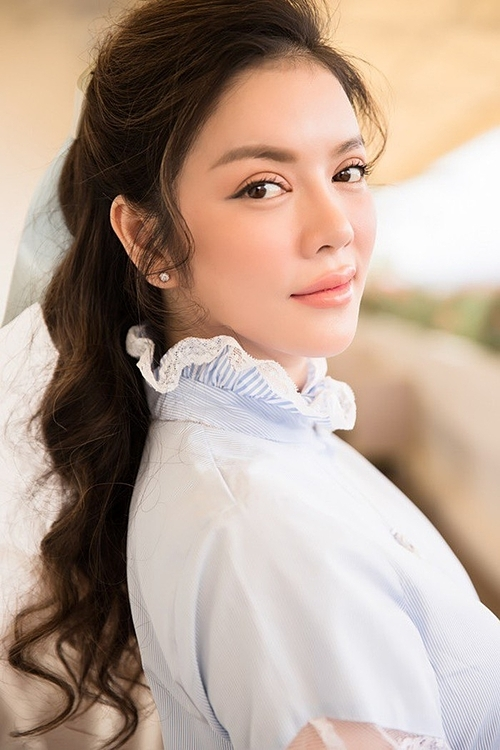 Sau thành công của vai Diễm Kiều, Lý Nhã Kỳ tham dự thêm nhiều dự án khác như Mùa hè lạnh, Gió nghịch mùa, Bước chân hoàn vũ... Năm 2011, cô trở thành Đại sứ Du lịch đầu tiên của Việt Nam.