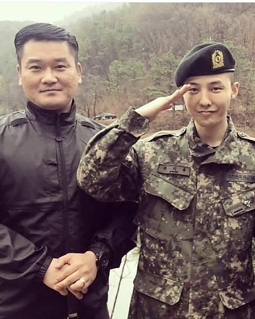 G-Dragon phục vụ trongSư đoàn Bộ binh 3 ởCheorwon, tỉnh Gangwon.