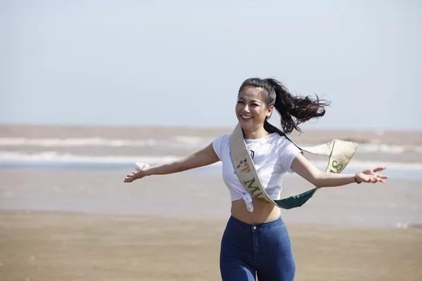 Trong nhiệm kỳ, Phương Khánh tham gia nhiều hoạt động nâng cao nhận thức về môi trường, chống biến đổi khí hậu... Cô cũng sản xuấtchuỗi vlog về bảo vệ môi trường,chia sẻ những thông điệp, bài học về cách giữ gìn không gian sống xanh, sạch.