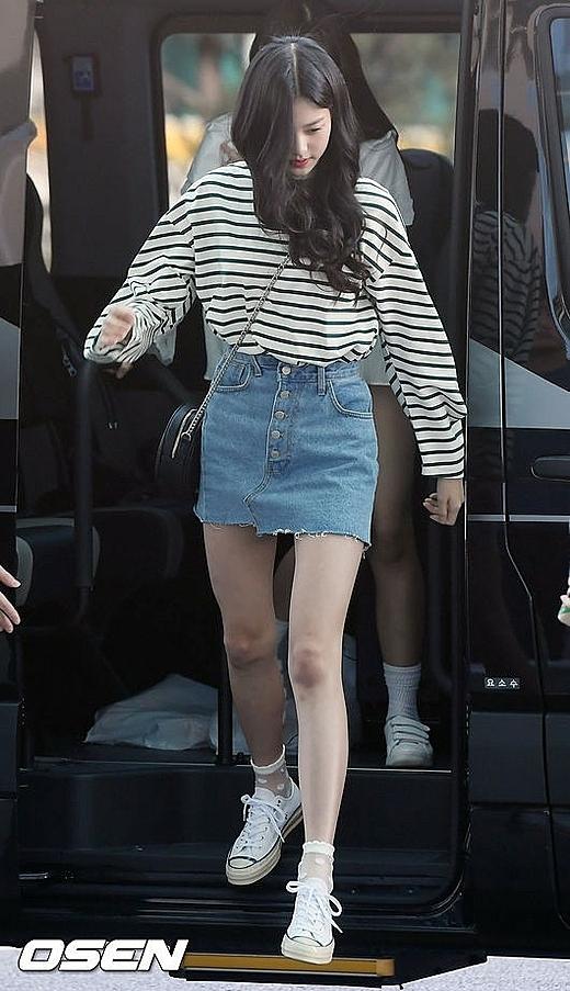 Jang Won Young khoe body chuẩn model khi mặc quần thể thao - 4