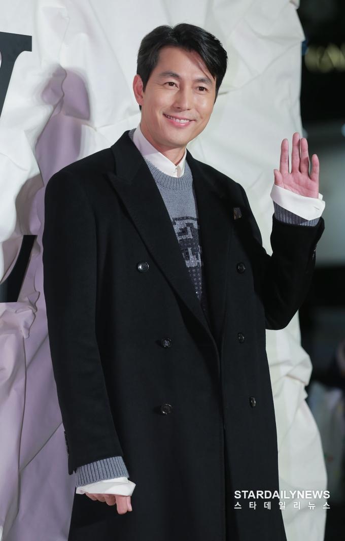 <p> Nam diễn viên Jung Woo Sung.</p>