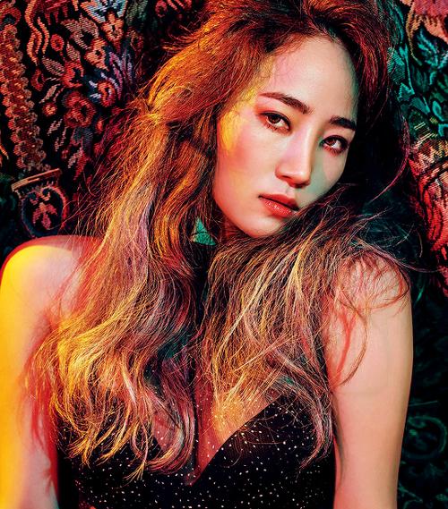 Trường hợp của Yeeun chắc chắn rất hiếm gặp trong ngành công nghiệp KPOP. Sau khi tham gia buổi thử giọng, nữ ca sĩ đã gia nhập Wonder Girls ngay lập tức và được đào tạo chỉ vài ngày trước khi ra mắt.