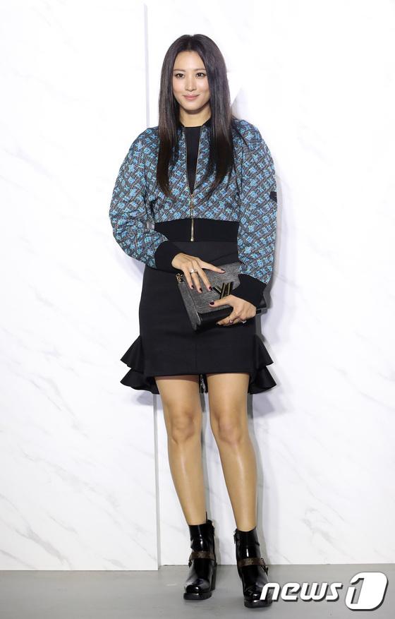 Người mẫu, diễn viên Claudia Kim.