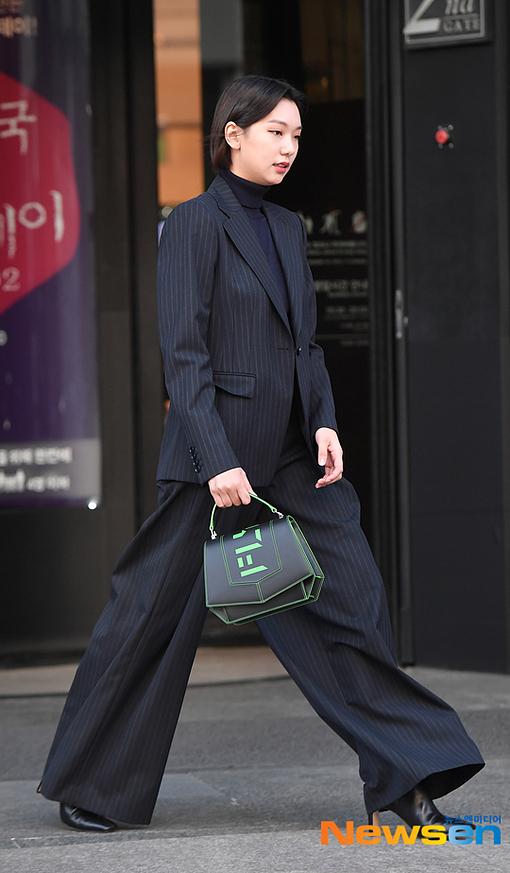 Người mẫu Lee Ho Jung.