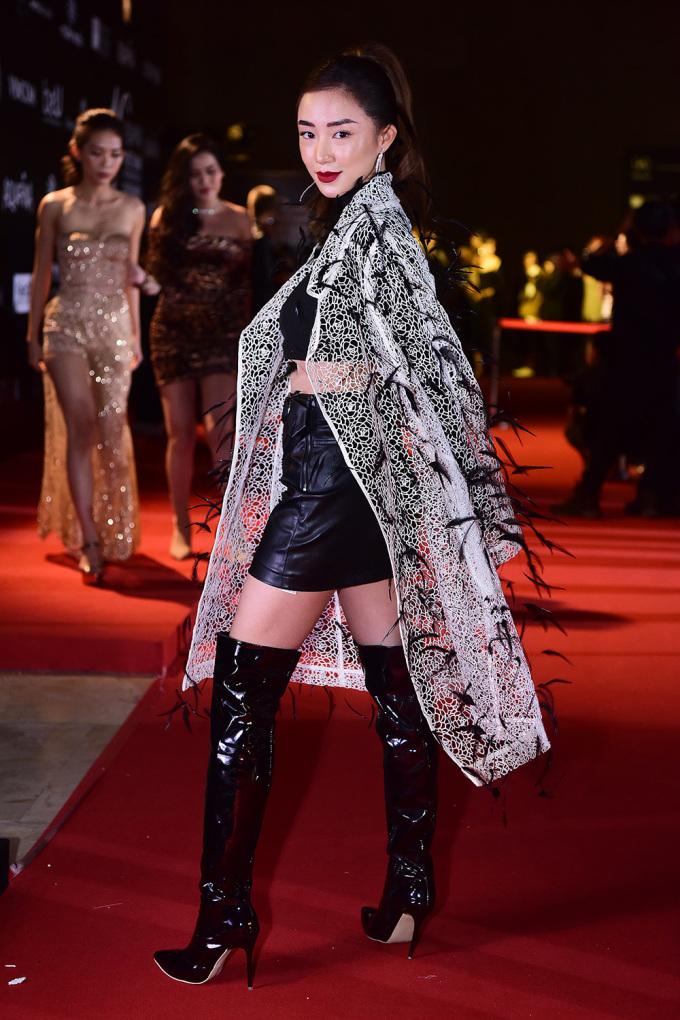 <p> Hot girl Sa Lim là khách mời quen thuộc tại Tuần lễ thời trang Quốc tế Việt Nam.</p>