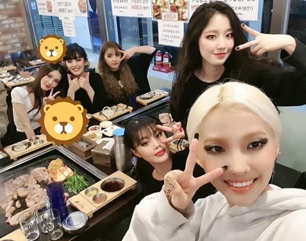 (G)I-DLE đi ăn cùng nhau sau khi kết thúc show Queendom với vị trí thứ ba.