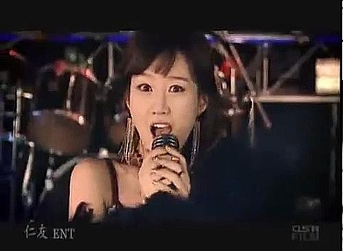 Bạn có biết 10 bài hát huyền thoại làm chấn động K-pop? - 6