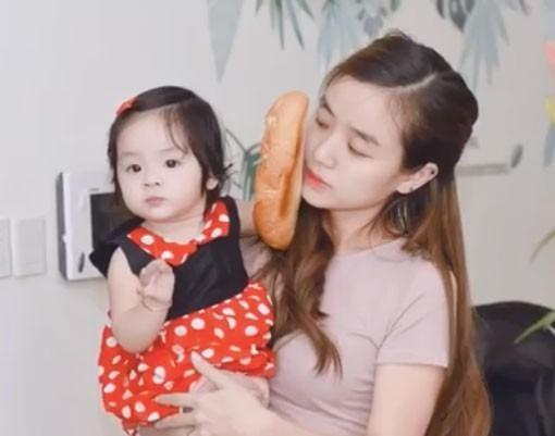 Bảo Ngọc và con gái Cún Cún.