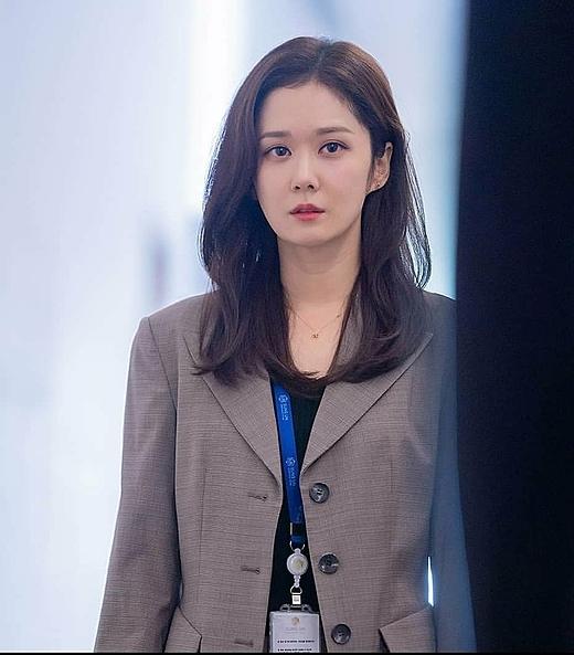 Xinh đẹpvà có sự nghiệp đáng nể nhưng đời sống hôn nhân của nhân vật Na Jung Sun lại trục trặc bởi tin đồn chồng cô ngoại tình.