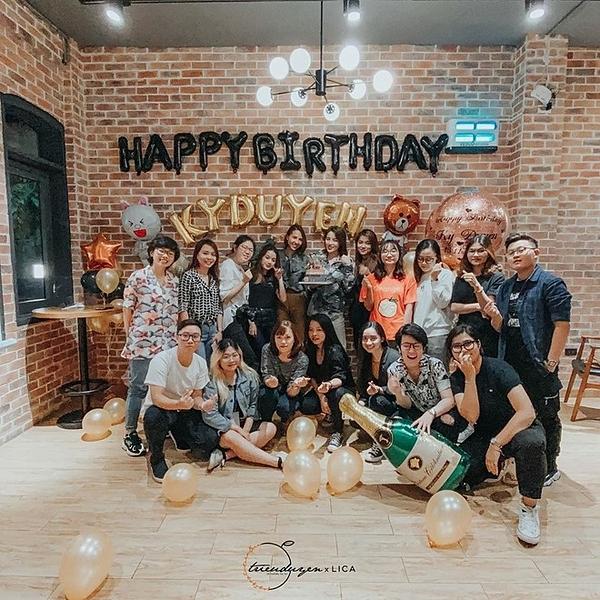 Fan cũng góp mặt trong tiệc sinh nhật Kỳ Duyên.