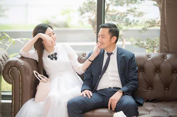 Thời điểm kết hôn, Ngọc Duyên đã mang bầu được sáu tháng. Cô không bị ốm nghén trong suốt những tháng đầu thai kỳ. Việc rút lui khỏi showbiz khiến cô giữ được tinh thần thoải mái để chăm sóc chồng và dưỡng thai.