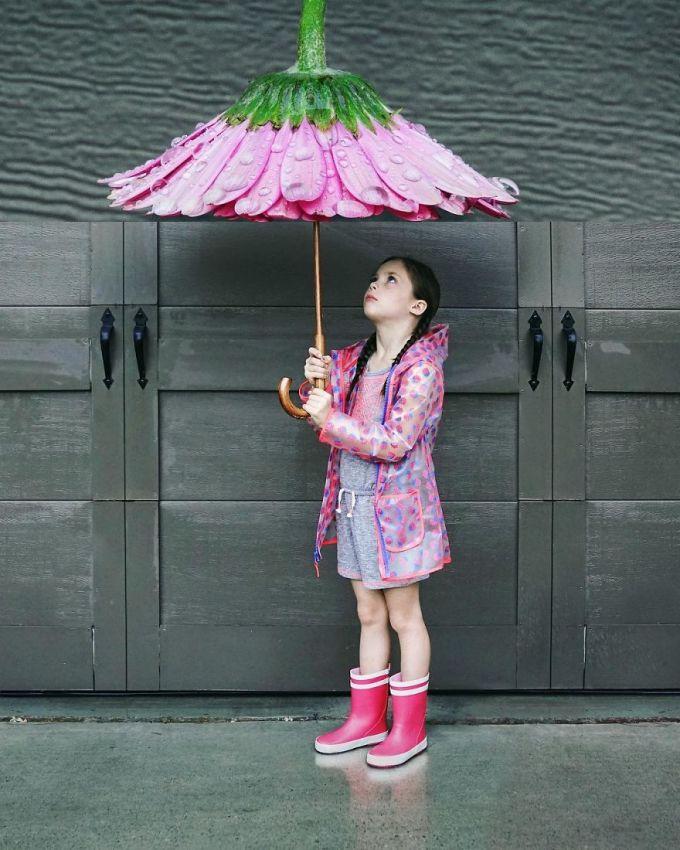 <p> Công cụ photoshop hỗ trợ tác giả tạo nên một chiếc ô hoa mọi bé gái yêu thích.</p>