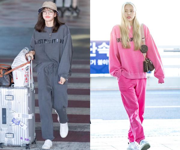 Lisa (Black Pink) và Yuna (ITZY) không hẹn mà gặp cùng diện một bộ đồ thể thao ra sân bay. Trong khi Lisa chọn tông màu xám nghịch ngợm kiểu teenboy thì Yuna lại hóa búp bê Barbie với set đồ hồng rực rỡ, giúp mái tóc vàng bạch kim càng thêm nổi bật.