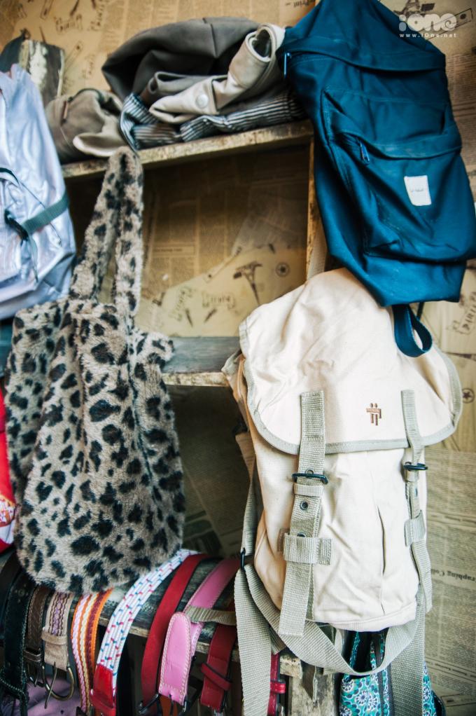 """<p> """"Thông qua hội chợ, bọn em mong muốn có một sân chơi tại Hà Nội dành cho các bạn trẻ yêu thích phong cách retro, muốn theo đuổi những xu hướng thời trang trong quá khứ nhưng vẫn mang hơi thở mới mẻ và hiện đại"""", Mai Linh - trưởng BTC chia sẻ.</p>"""