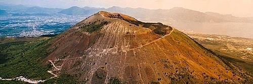 Bạn có biết 7 ngọn núi lửa nguy hiểm nhất thế giới? - 3