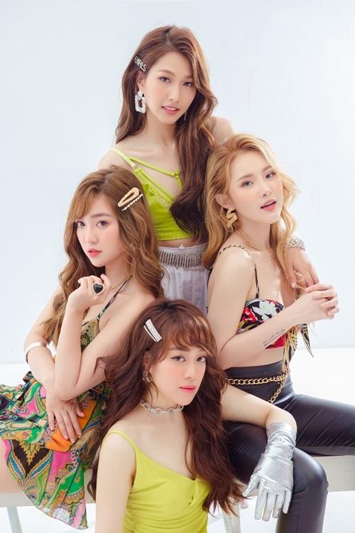 Lip B là nhóm nhạc nữ thuộc công ty giải trí 6th Sense của Ông Cao Thắng, ra mắt vào tháng 11/2016 với ca khúc Love You Want You đạt 11 triệu view và Số nhọ đạt20 triệu view. 4 thành viên ban đầu gồm Annie, Yori, Mei, Na Whan. Tuy nhiên thời gian qua, đội hình này có sự xáo trộn. Hai thành viên Na Whan và Mei rời nhóm khiến Lip B ngưng hoạt động hơn một năm qua. Sau khi công bố thành viên nhỏ tuổi nhất Rosy (tên thật Mai Huyền My, sinh năm 1999), mới đây Lip B công bố kết nạp thành viên cuối cùng - Liz.
