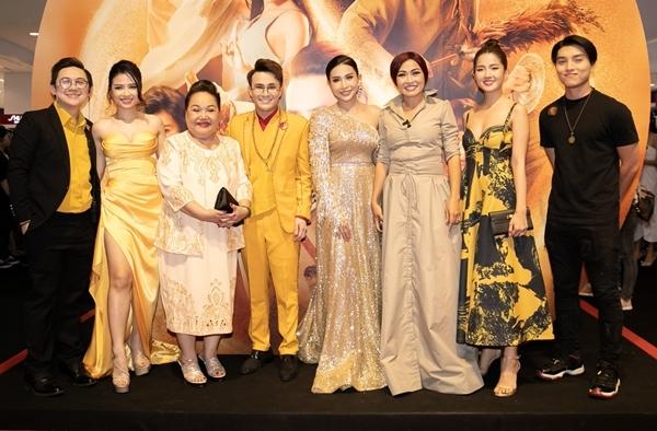 Sao Việt dự ra mắt phim Pháp sư mù