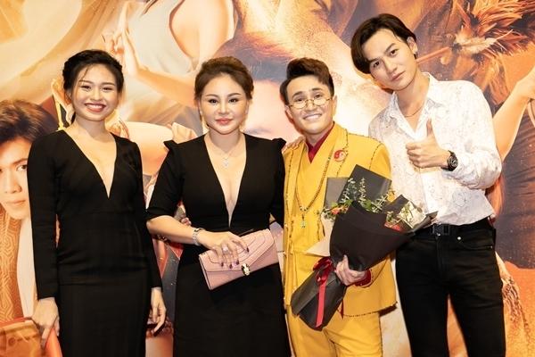 Sao Việt dự ra mắt phim Pháp sư mù - 10