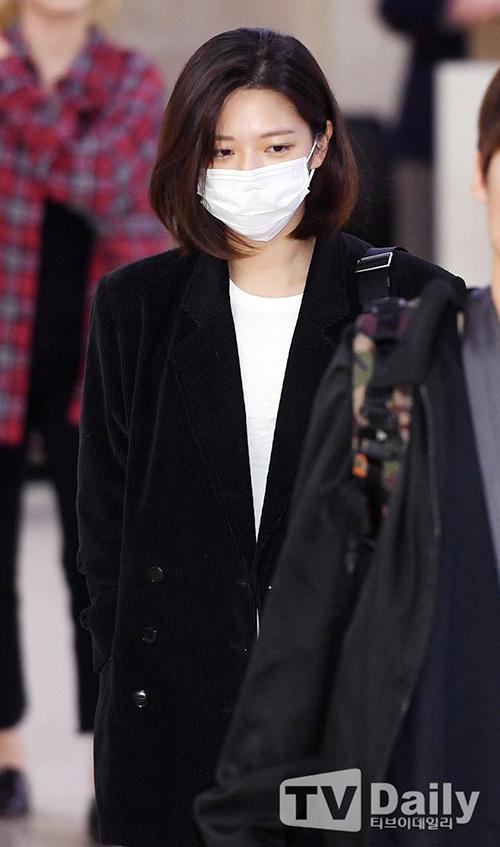 2 visual nhà JYP Yuna - Tzuyu đọ nhan sắc đỉnh cao ở sân bay - 8