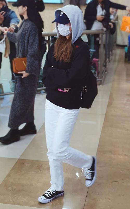 2 visual nhà JYP Yuna - Tzuyu đọ nhan sắc đỉnh cao ở sân bay - 6