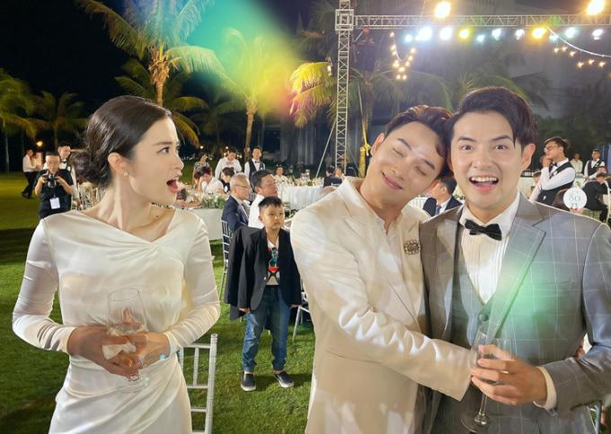 Trúc Nhân nhận bão like khi rủ Đông Nhi, Ông Cao Thắng tái hiện cảnh giật chồng hài hước giốngtrong MV Sáng mắt chưa.