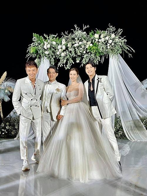 Noo Phước Thịnh và tình bạn 10 năm với vợ chồng Đông Nhi - Ông Cao Thắng.