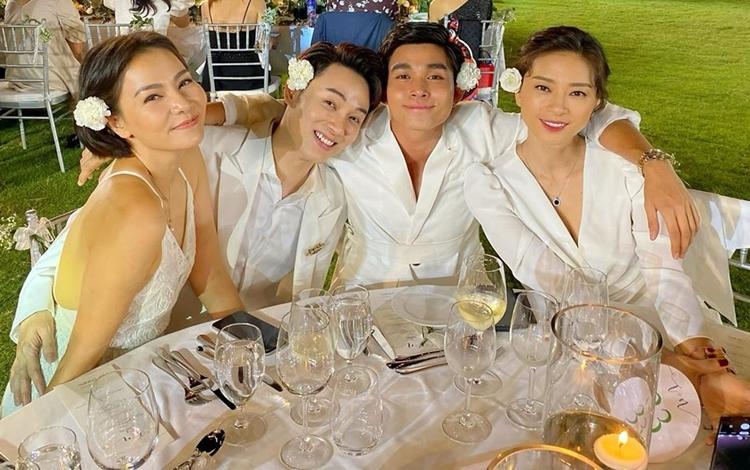 Trên bàn tiệc, Jun Phạm kéo Thu Minh, Trúc Nhân, Ngô Thanh Vân