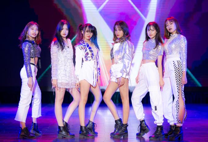 <p> Những nữ dancer xinh đẹp của đại học Y Hà Nội.</p>