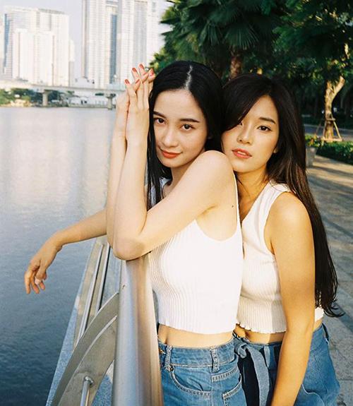 Jun Vũ, Hoàng Yến Chibi chứng minh tình chị em thân thiết khi diện đồ đôi tình thương mến thương.