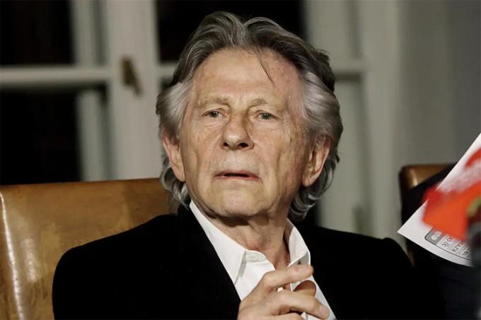 Roman Polanski thường bị báo Mỹ gọi là kẻ hiếp dâm, tội phạm bỏ trốnthay cho đạo diễn. Ảnh: AP.