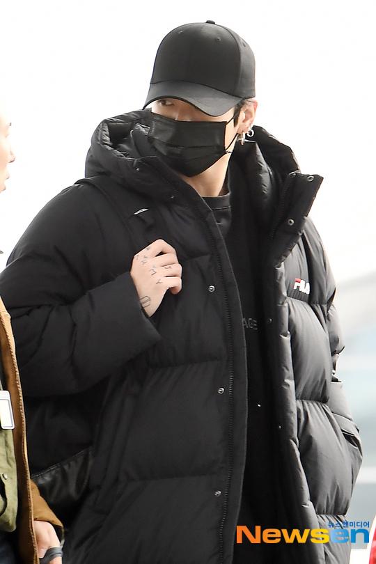 Jung Kook lần đầu xuất hiện trước truyền thông sau vụ ồn ào lái xe gây tai nạn.
