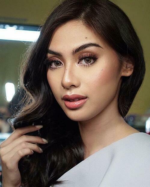 Patricia Magtanong- đại diện Philippines- được xếp ở vị trí thứ 6 trong top 10.Cô là người mẫu, luật sư tại Philippines. Người đẹp 25 tuổi cao 1,75m,gương mặt sáng sân khấu.Đại diện Philippines có hai bằng đại học chuyên ngành Kinh tế và Luật.