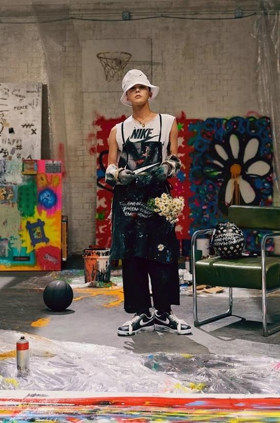 G-Dragon hợp tác với Nike để ra mắt mẫu giày mới.