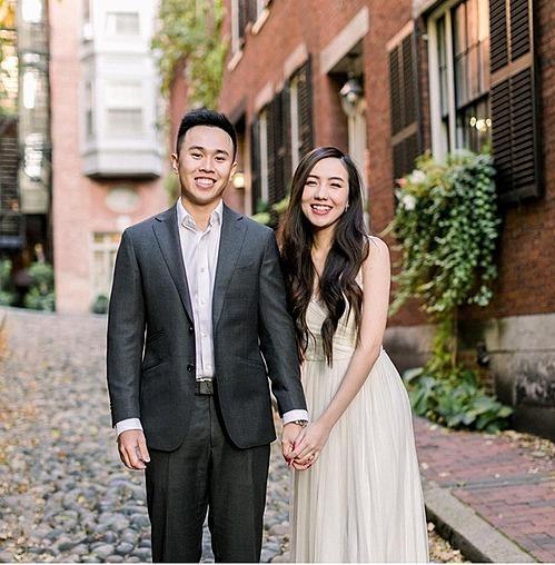 Hot girl Mie Nguyễn làm đám cưới cùng chồng hôm 12/11 tại Hà Nội. Chồng cô tênDũng Anh, là du học sinh Mỹ. Cặp đôi có ba năm yêu kín tiếng trước khi tiến tới hôn nhân.