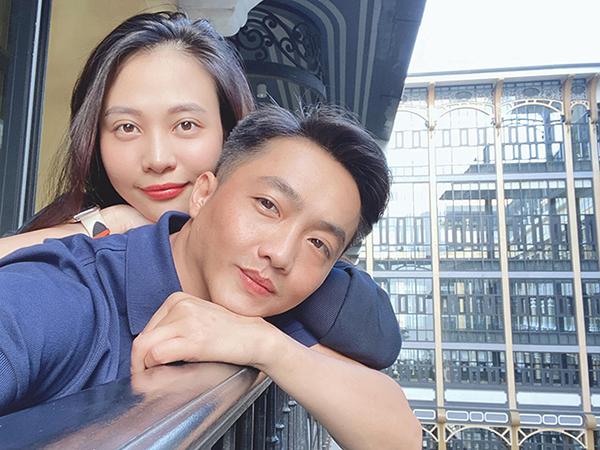 Đàm Thu Trang selfie tình cảm cùng ông xã Cường Đô la.